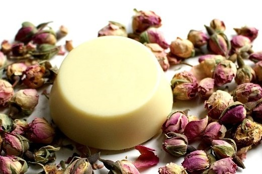 rose & coconut oil DIY lotion bar