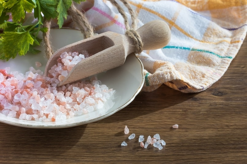 A small bunch of coarse Himalayan pink salt
