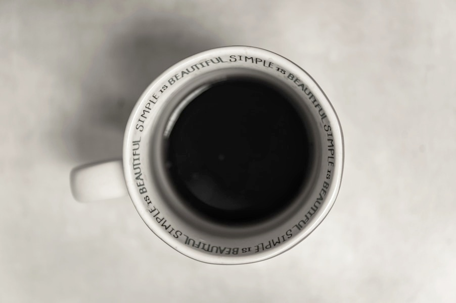 Another great Gift for a minimalists - A Chic Mug for the Coffee Lovers