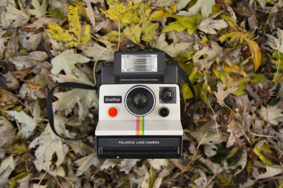 A Polaroid Camera to Freeze the Memories